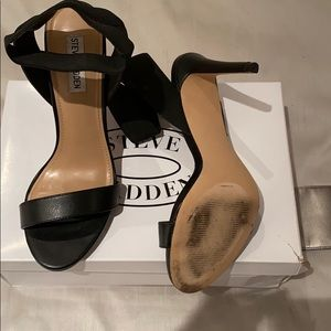 Steve Madden Shoes - Steve Madden black Raina pumps size 9.5